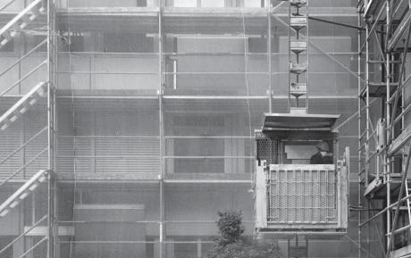 Sicurezzanellasicurezza montacarichi da cantiere per for Montacarichi da balcone per legna