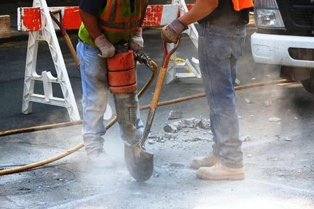 L'articolo 202 del Decreto Legislativo 81/2008 ai commi 1 2 prescrive l'obbligo, da parte dei datori di lavoro di valutare il rischio da esposizione a vibrazioni dei lavoratori durante il lavoro